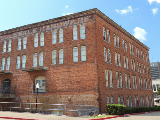 Lee Hardware Apartments The Shreveport Bossier Apartment Shoppers Guide